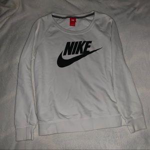 Nike Sweaters - Nike crew neck sweatshirt